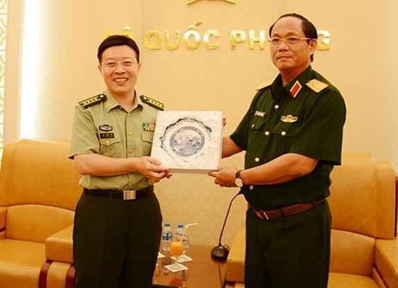 Le Vietnam s'attache aux relations d'amitie avec la Chine hinh anh 1