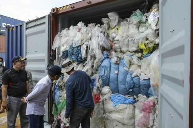 L'Indonesie va renvoyer 49 conteneurs de dechets en Europe et aux Etats-Unis hinh anh 1