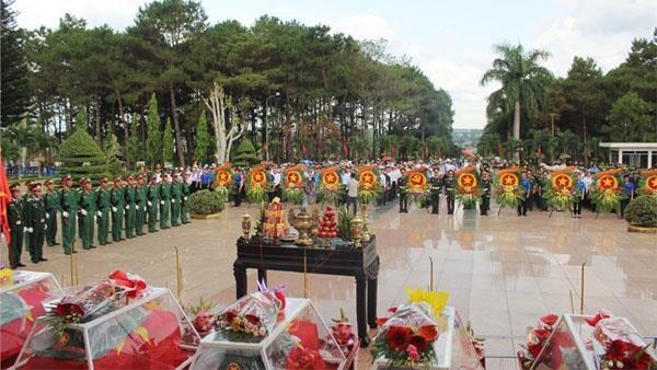 Rapatriement des restes de soldats volontaires vietnamiens tombes au Cambodge hinh anh 1