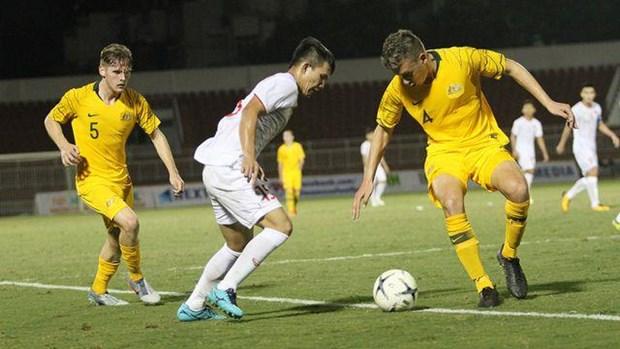 Championnat U18 d'Asie du Sud-Est : L'Australie bat le Vietnam 4-1 hinh anh 1