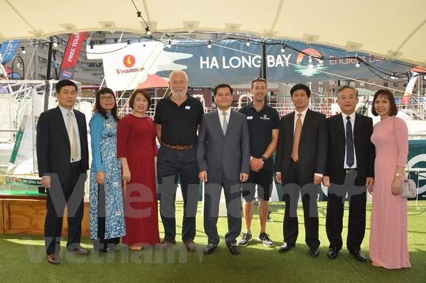 Le voilier « Ha Long Bay – Vietnam » rejoint la Clipper Round the World Yatch Race 2019-2020 hinh anh 2