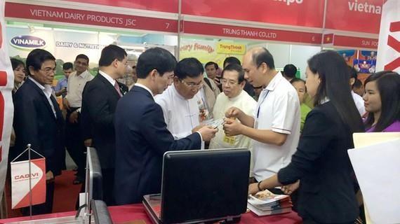 Promotion des marchandises vietnamiennes au Myanmar hinh anh 1