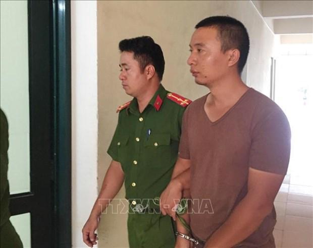 Trois Chinois arretes pour avoir deleste des DAB par de fausses cartes hinh anh 1