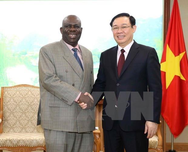 Le Vietnam resserre ses liens avec l'Afrique du Sud et le Nigeria hinh anh 2