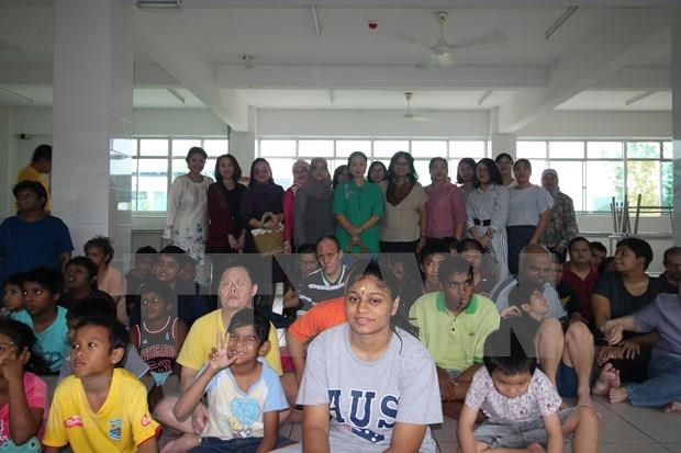 Des epouses des diplomates de l'ASEAN en Malaisie renforcent les activites caritatives hinh anh 1