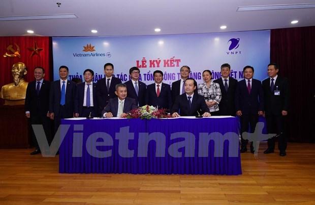 Vietnam Airlines et VNPT concluent un partenariat strategique hinh anh 1