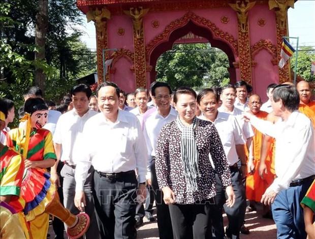 La fete de la grande union nationale celebree a Hanoi, Ben Tre et Tra Vinh hinh anh 2