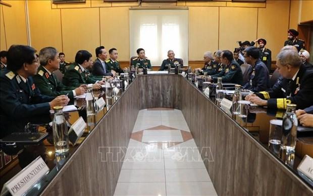 Le vice-ministre de la Defense Phan Van Giang se rend en Inde hinh anh 1