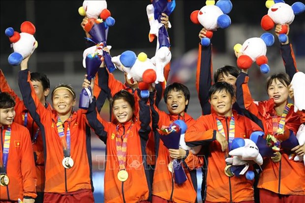 Football : Le Premier ministre felicite l'equipe feminine pour son succes aux SEA Games 30 hinh anh 1