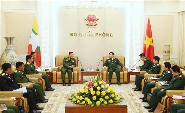 Le commandant en chef des Forces armees du Myanmar se rend au Vietnam hinh anh 1