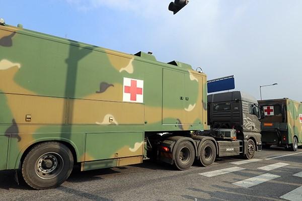 Coronavirus : Le Laos renforce ses controles aux points d'entrees terrestres et aeriens hinh anh 2