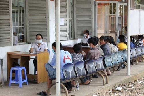 Plus de 93.000 dollars destines a la prevention du VIH/Sida a Binh Duong hinh anh 1