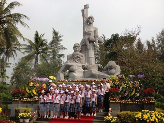 La province de Quang Ngai commemore les victimes du massacre de My Lai hinh anh 1