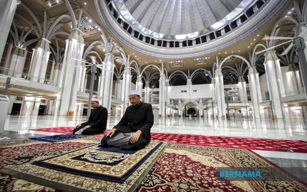 COVID-19: Allegement des restrictions de rassemblement religieux en Malaisie hinh anh 1