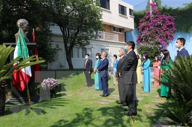 Activites celebrant l'anniversaire du President Ho Chi Minh en Egypte et au Mexique hinh anh 2