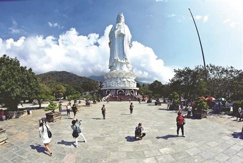 Les medias invites a renforcer la promotion du tourisme interieur hinh anh 1