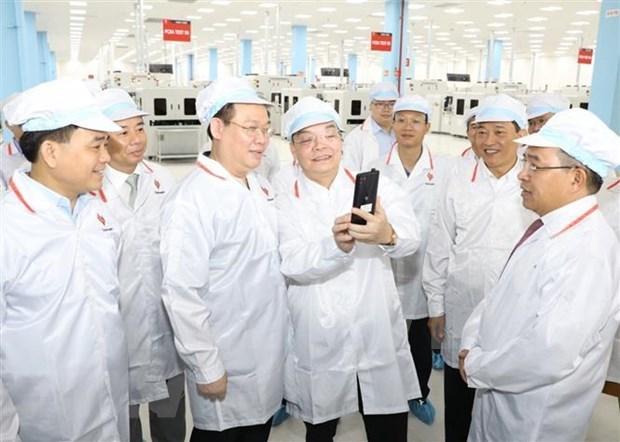 Pour accueillir davantage d'investissements dans le parc de haute technologie de Hoa Lac hinh anh 1