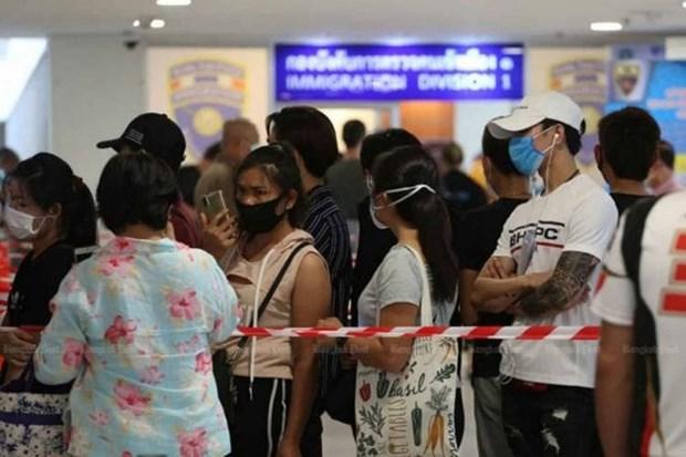 Covid-19 : La Thailande reforme la delivrance du permis de travail pour les etrangers hinh anh 1