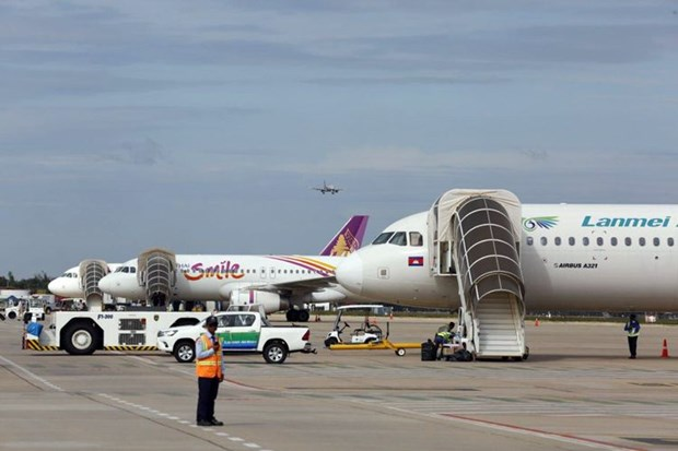 Le Cambodge interdit temporairement les vols de Malaisie et d'Indonesie hinh anh 1