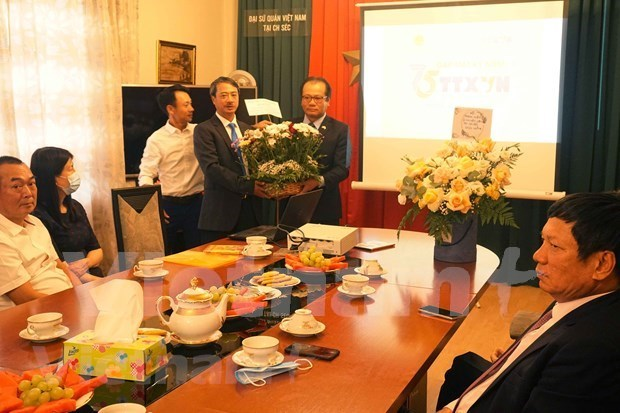 Le 75e anniversaire de la VNA celebre en Republique tcheque hinh anh 1