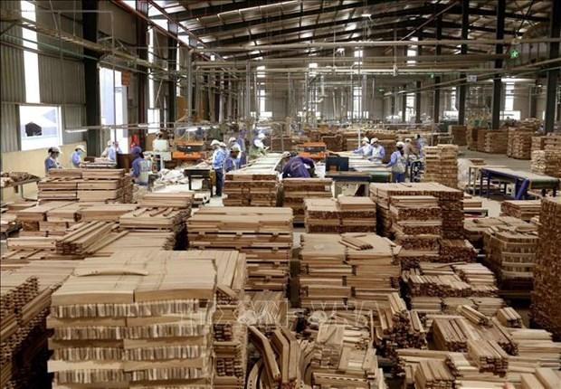 Malgre le coronavirus, les exportations vietnamiennes de bois et meubles augmentent hinh anh 1
