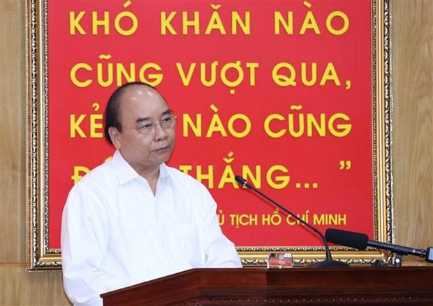 Le Premier ministre exhorte les militaires a continuer d'assister les sinistres hinh anh 1