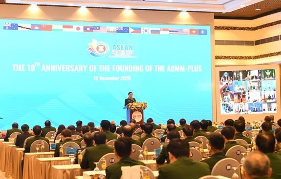 ASEAN 2020 : ceremonie marquant le 10e anniversaire de l'ADMM+ hinh anh 2