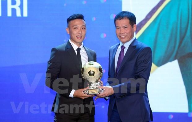 Nguyen Van Quyet et Huynh Nhu laureats du Ballon d'Or du Vietnam 2020 hinh anh 5