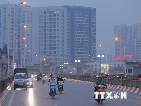 Le Premier ministe ordonne de renforcer le controle de la pollution atmospherique hinh anh 2
