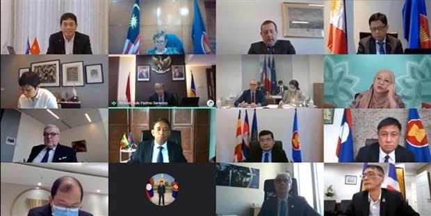 La France affirme attacher de l'importance a la cooperation avec l'ASEAN hinh anh 1