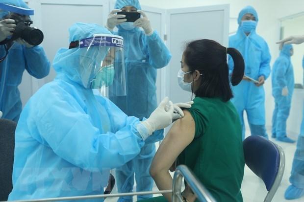 Le Vietnam debute sa premiere campagne de vaccination anti-Covid-19 le 8 mars hinh anh 2