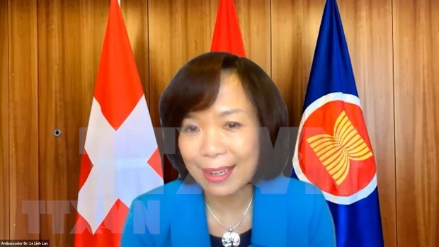 Covid-19 : la Roche (Suisse) appelee a cooperer le Vietnam dans la prevention epidemique hinh anh 1