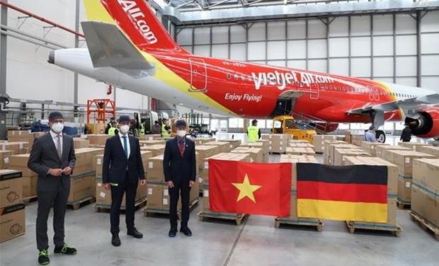 COVID-19 : Dons d'amis et de la diaspora en Allemagne en faveur du Vietnam hinh anh 2
