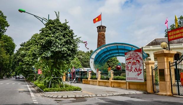 Covid-19 : Hanoi autorise la reouverture de certains services hinh anh 1