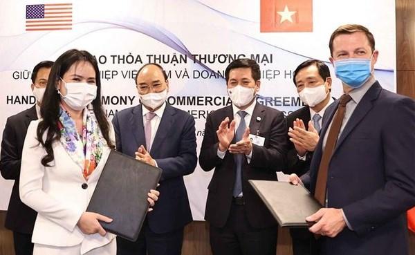 T&T Group et ses partenaires americains signent des memorandums de cooperation dans divers domaines hinh anh 1