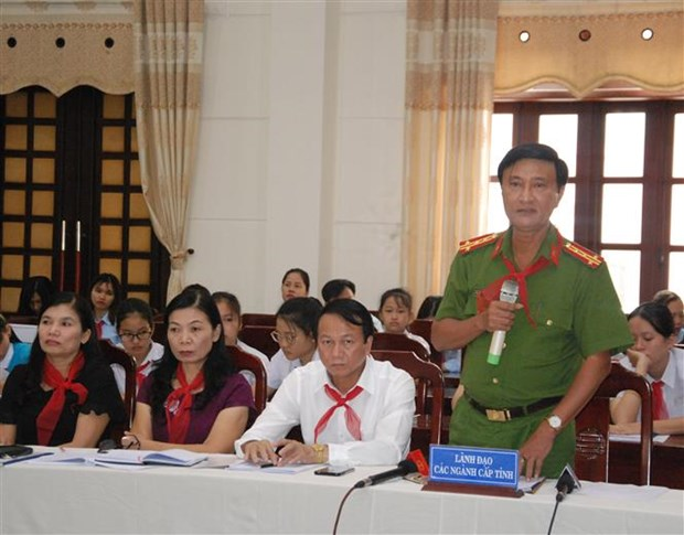 Forum « Deputes de l'Assemblee nationale et les enfants » a Quang Tri hinh anh 1