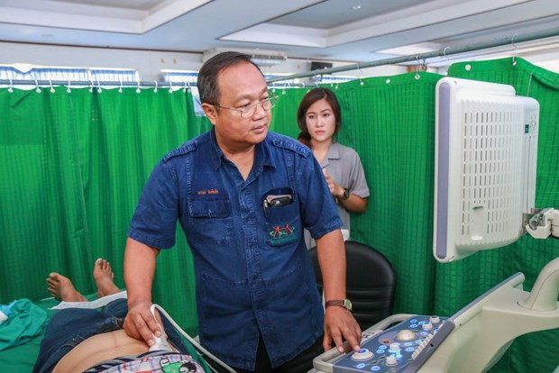 La Thailande aide le Laos a soigner ses habitants hinh anh 1