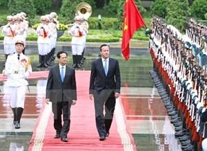 Entretien entre les Premiers ministres vietnamien et britannique hinh anh 1
