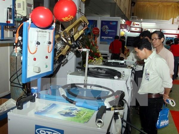 Colloque sur l'acceleration de l'industrie auxiliaire du Vietnam hinh anh 1