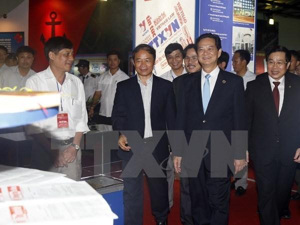 Exposition sur les realisations du Vietnam depuis 70 ans hinh anh 1