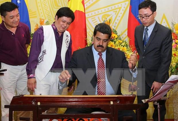 Le president venezuelien Nicolas Maduro quitte le Vietnam hinh anh 1