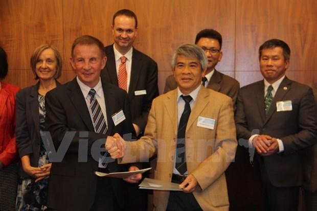 Cooperation vietnamo-australienne dans la formation aux sciences et technologies hinh anh 1