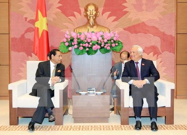 Des parlementaires bangladais a Hanoi hinh anh 1