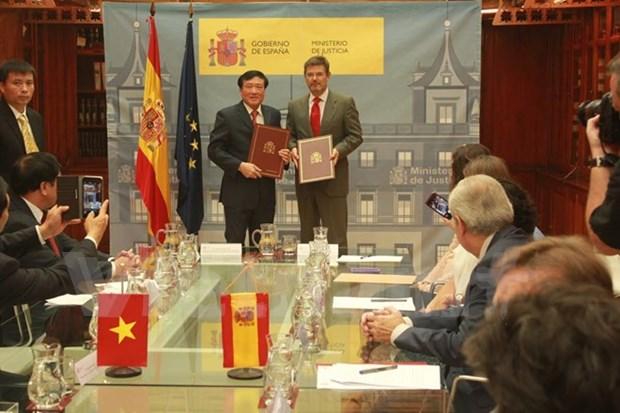 Le Vietnam et l'Espagne signent un accord d'entraide judiciaire en matiere penale hinh anh 1