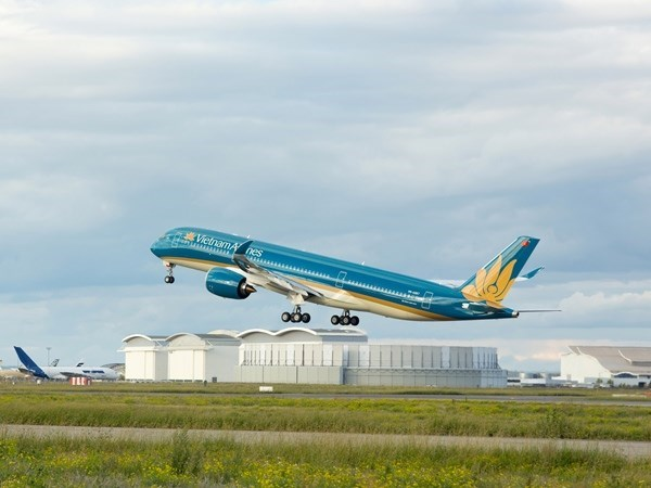 Un Airbus A350-XWB transporte des equipements a l'Hopital de nephrologie de Hanoi hinh anh 1
