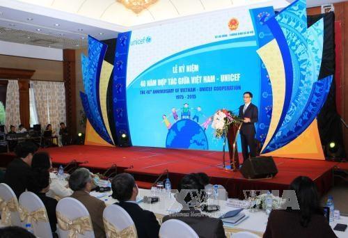 Celebration des 40 ans de cooperation Vietnam-UNICEF hinh anh 1