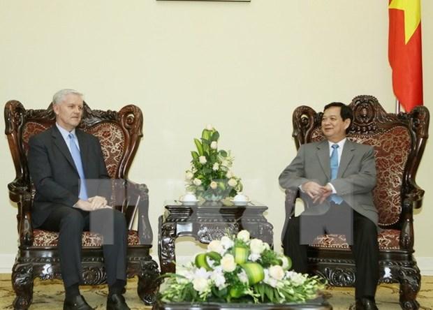 Le PM Nguyen Tan Dung recoit le nouveau directeur national de la BAD au Vietnam hinh anh 1