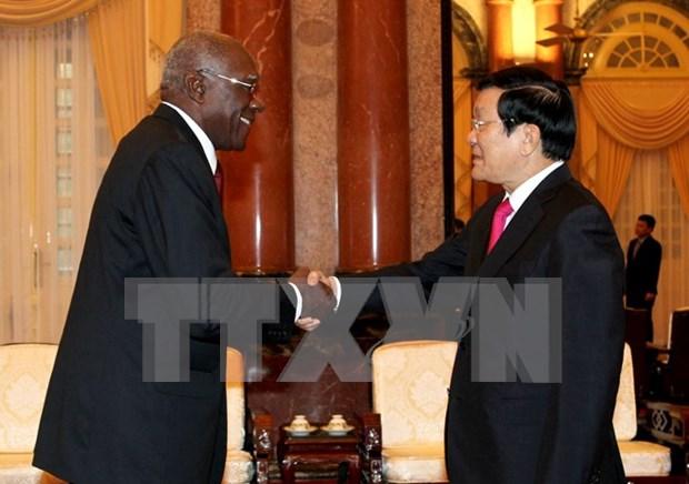 Developpement des relations de solidarite et de cooperation integrale Vietnam-Cuba hinh anh 1