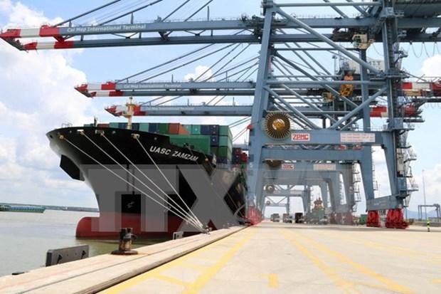 Le cargo de plus grand tonnage accoste dans le port de Son Duong hinh anh 1
