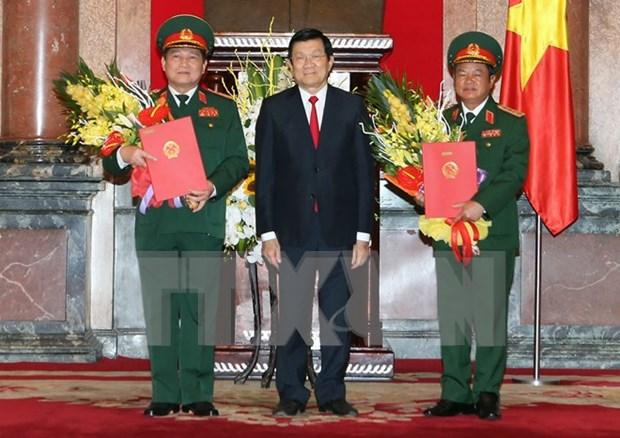 Deux hauts responsables promus au grade de general d'armee hinh anh 1